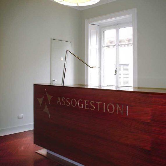 Bancone reception per uffici Milano