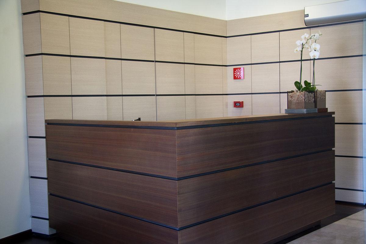 Bancone Reception Per Ufficio : Ufficio monza mowa arredi