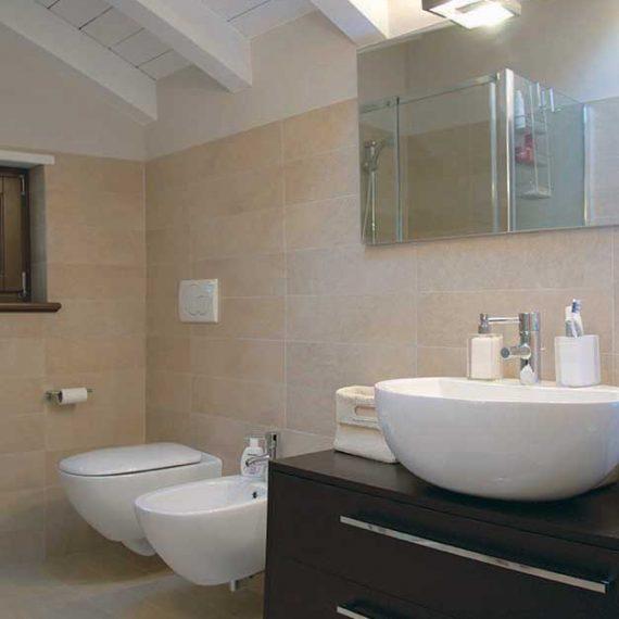 Mobile bagno realizzato in Wengè