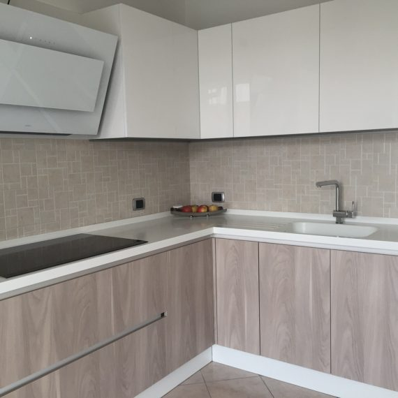 Cucina in essenza con Top in Corian