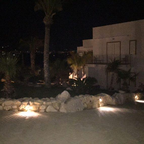 Location esterna vista notturna Residence