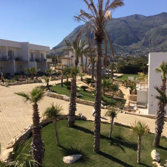 Struttura e giardini residence Sicilia